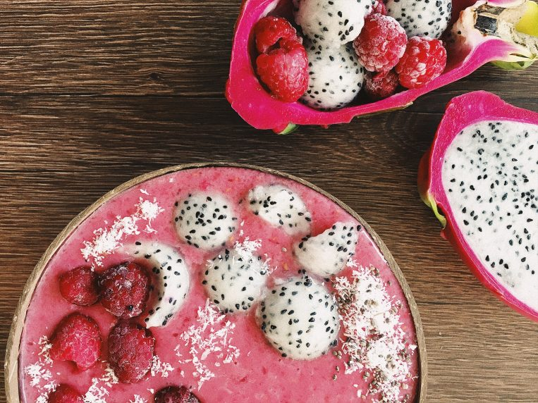 The Pink Secret - Raspberry Pitaya Smoothie Bowl