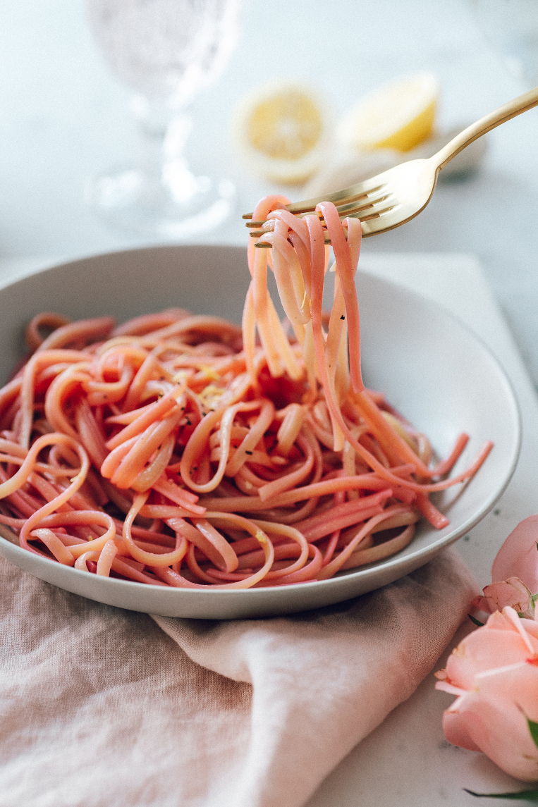 The Prettiest Pink Lemon&Garlic Pasta